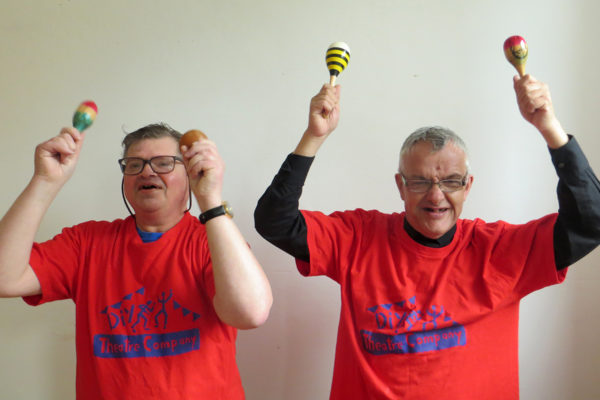 photo of Martin and David with music shakers